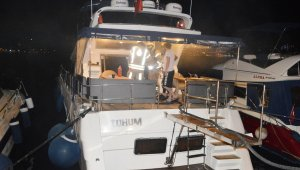 Bebek Sahili'nde korkutan tekne yangını