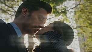 Camdaki Kız'da Nalan ve Sedat öpüşüyor