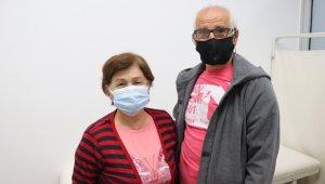 Emekli öğretmenler aynı gün ikinci doz aşıyı oldular