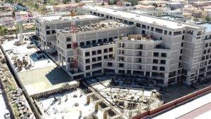 Erzincan'da 500 yataklı devlet hastanesinin inşaatı hızla yükseliyor