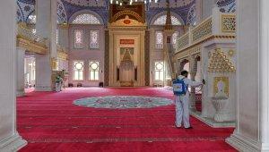 Esenyurt'ta Kadir Gecesi öncesi camiler dezenfekte edildi