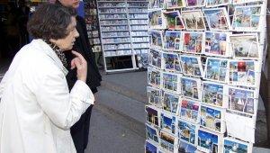 Eski bayramlardan eser kalmadı, dijital çıktı kartpostallar tarihe karıştı
