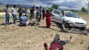 Eskişehir'de trafik kazası, 2'si ağır 4 kişi yaralandı
