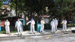 Gaziosmanpaşa sokaklarında bayram temizliği