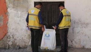 Haliliye Belediyesi Ramazan ayında kapıları tek tek çaldı