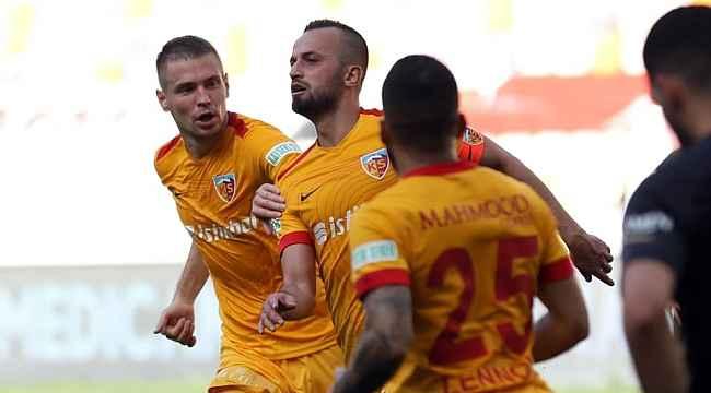 İlhan Parlak gol sayısını 9'a çıkardı