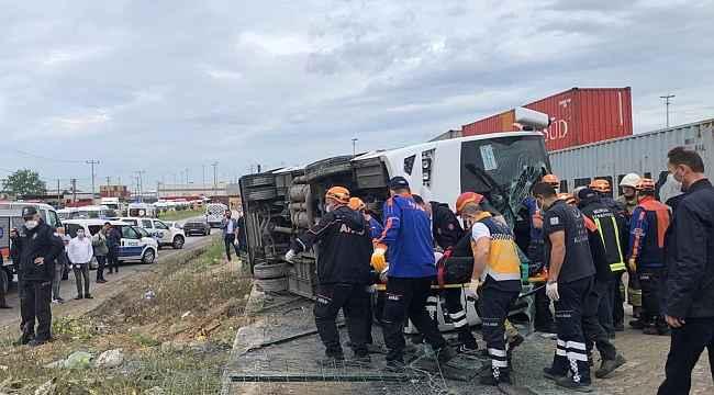 İşçi midibüsü takla attı: 20 işçi yaralandı - Bursa Haberleri