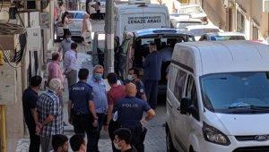 İzmir'de bir anne tartıştığı kızını boğarak öldürdüğünü itiraf etti