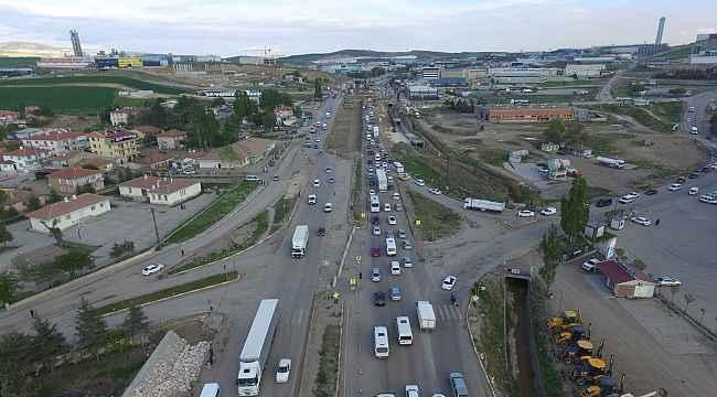 Kahramankazan-Ankara karayolundaki genişletme çalışmaları sürüyor
