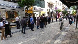 Kapanma sonrası cadde ve sokaklarda yoğunluk başladı