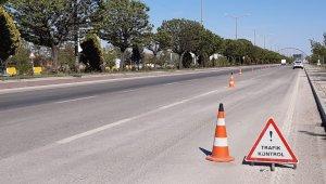 Kavşak noktadaki Afyonkarahisar'da bayram öncesi karayolları boş kaldı