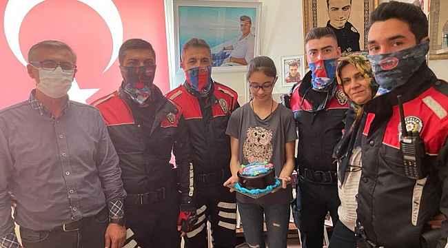 Kırşehir'de yunus polisinden doğum günü sürprizi