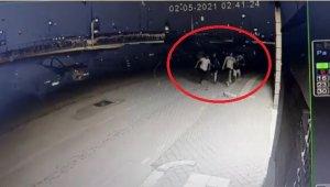 Kısıtlamayı ihlal eden gençler polisi görünce böyle kaçtı - Bursa Haberleri