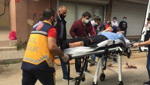 Komşular arasında kavgada kan aktı: 1 yaralı