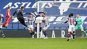 Liverpool kalecisi Alisson, 90+5. dakikada attığı golle West Bromwich karşısında galibiyeti getirdi