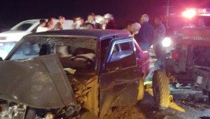 Malatya'da otomobil ile traktör çarpıştı: 5 yaralı
