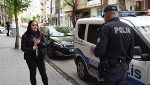 Maske takmak istemedi, polisle tartıştı