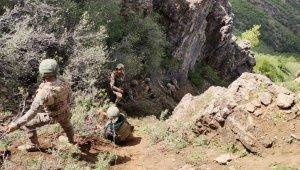 MSB, Mehmetçiğin zorlu arazi şartlarındaki operasyonundan fotoğraflar paylaştı