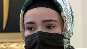 Müslüman olan kadın müftüyü görünce ağladı