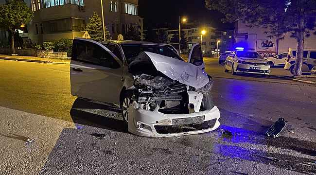 Safranbolu'da iki otomobil çarpıştı: 4 yaralı