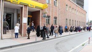 Samsun'da 'pandemi sosyal destek' kuyruğu