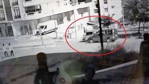 Samsun'da iki kişinin yaralandığı kaza güvenlik kamerasında