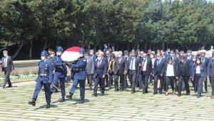 Sosyal Güvenlik Kurumu Başkanı Yılmaz, Anıtkabir'i ziyaret etti