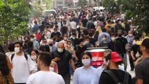 Tam kapanma bitti, vatandaşlar İstiklal Caddesi'ne akın etti