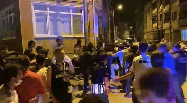 Taraftarlar birbirine girdi, olaya çok sayıda polis müdahale etti - Bursa Haberleri