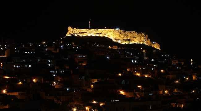 Tarihi Mardin Kalesinde aydınlatma çalışmaları tamamlandı