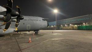Tıbbi yardım malzemelerini taşıyan uçaklar Hindistan'a ulaştı
