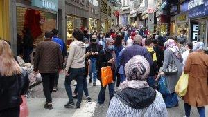 Trabzon'da kademeli normalleşmenin ilk gününde şehir merkezinde adım atacak yer kalmadı