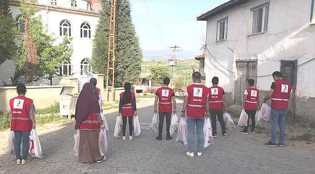 Türk Kızılayı Hisarcık'ta 2 bin Ramazan pidesi dağıttı