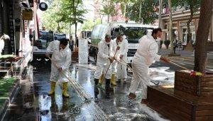 Yenişehir'de cadde ve sokaklar yıkanıyor