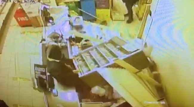 Zeytinburnu'nda şaşkın hırsızlar kamerada