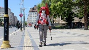 69 yaşında, 'Milli Mücadele' anısına kilometrelerce yürüyor