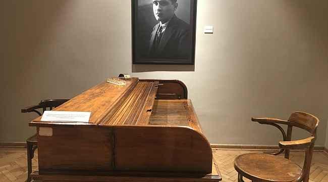 Ahmet Hamdi Tanpınar, doğumunun 120. yılında Beyoğlu'ndaki sergiyle anıldı