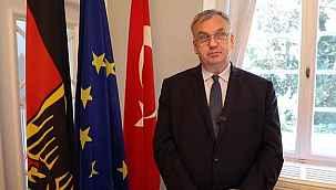 """'Almanya Türkiye'yi kıskanıyor' yorumuna Alman büyükelçiden yanıt: """"Zannetmiyorum"""""""