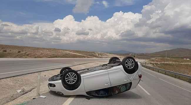 Altıntaş'ta trafik kazası: 2 yaralı
