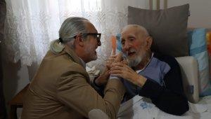 Babalar Gününde İzmit'in en yaşlı babasını unutulmadı