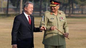 Bakan Akar, Pakistan Kara Kuvvetleri Komutanı Bajwa'yı kabul etti
