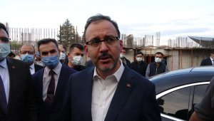 Bakan Kasapoğlu Çankırı'da yapımı süren havuz inşaatını inceledi