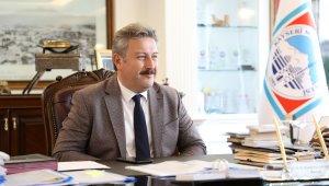 Başkan Dr. Palancıoğlu, madalya alan haltercilerin başarısını kutladı