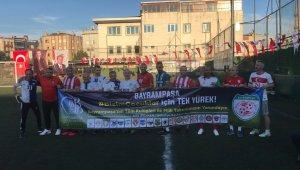 Bayrampaşa'da Milli Takım'a destek maçı düzenlendi