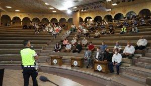 Belediye şoförlerine eğitim düzenlendi