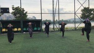 Beyoğlu'nda kadınlar güne sabah sporu ile başlıyor