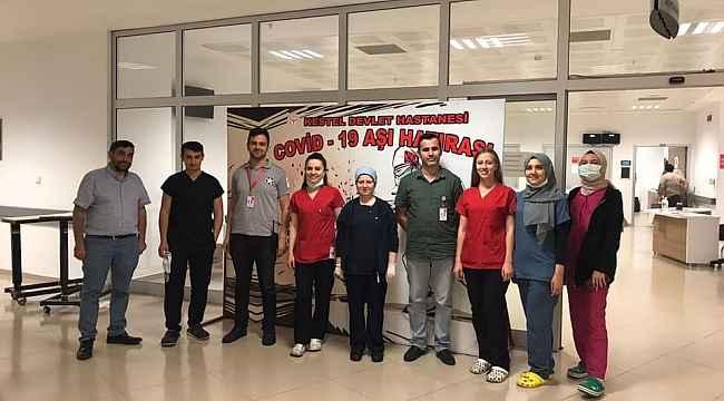 Bursa'da rekor kırıldı... Sağlıkçıların gece gündüz aşı nöbeti - Bursa Haberleri