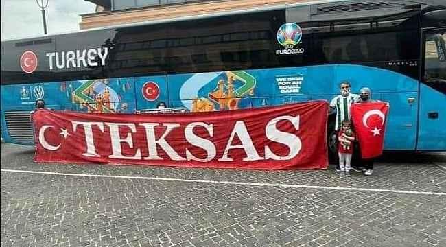 Bursaspor taraftarı Milli Takımı Roma'da destekliyor - Bursa Haberleri