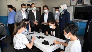 Büyükşehir'in bilim tırı Kocaavşar'da