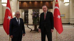 Cumhurbaşkanı Erdoğan, Büyükkılıç'ın da olduğu 40 belediye başkanı ile görüştü